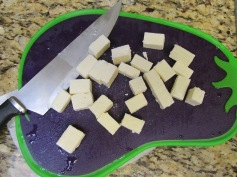 chopping paneer